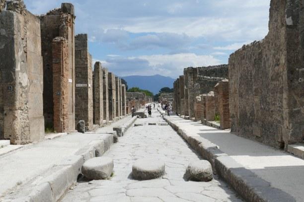 Kurzurlaub Golf von Neapel, Italien, Pompeji wurde nach dem Vulkanausbruch 79 n. Chr. weitgehend von der Vu