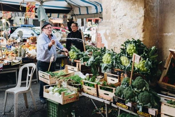 Zwei Wochen Sizilien, Italien, In Palermo kannst du durch die engen Gassen schlendern, wie es einst G