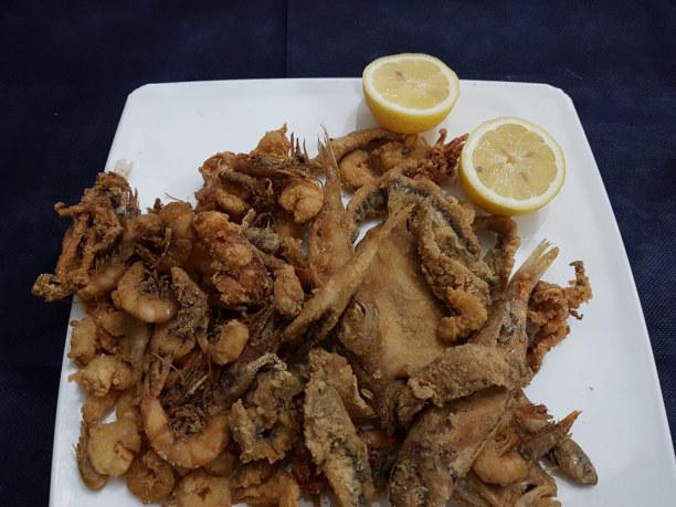Kurztrip Sizilien, Italien, Fritto misto di pesce, frittierter Fisch muss für mich mindestens ein