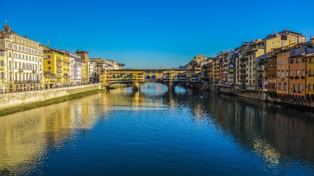 Eine Woche Toskana, Italien, Der Ponte Vecchio ist die einzige Brücke in Florenz, die den Zweiten