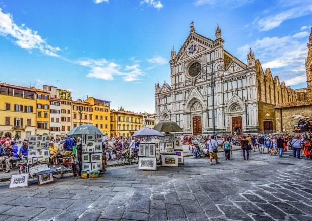 Kurzurlaub Toskana, Italien, In der Santa Croce, einer Franziskanerkirche, findest du die Grabmäle