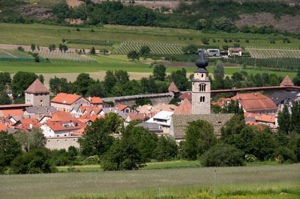 Kurzurlaub Trentino-Südtirol, Italien, Glurns ist zu Fuß erreichbar. Mit 888 Einwohnern ist es eine der klei