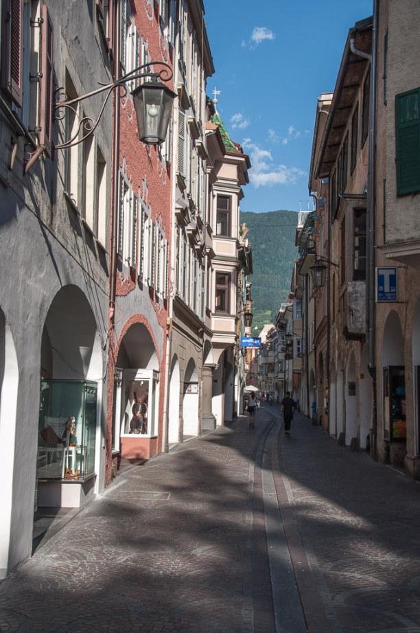 Kurzurlaub Trentino-Südtirol, Italien, Laubengassen sind in Südtirols Städten überall anzutreffen. Eine de
