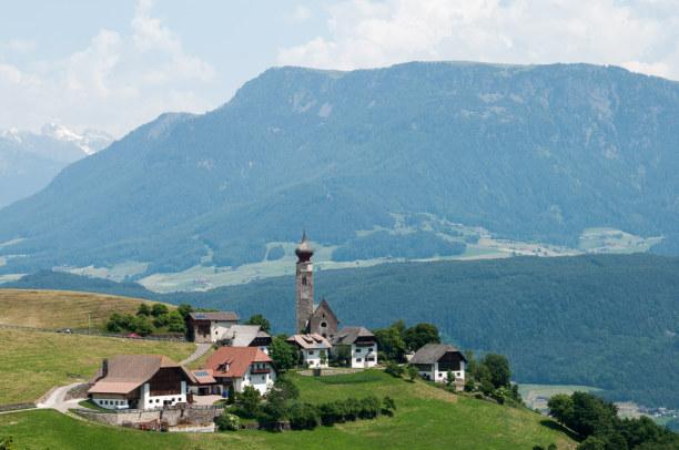 Kurztrip Trentino-Südtirol, Italien, Ich liebe den herrlichen Blick auf die umliegenden Dörfer, Täler und