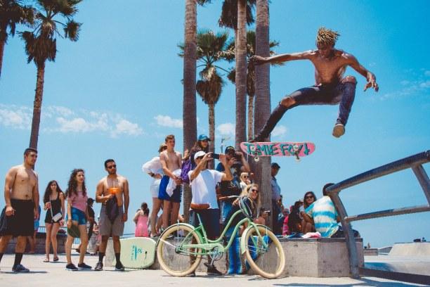 Kurzurlaub Los Angeles (Stadt), Kalifornien, USA, Der Venice Beach ist 4,5 km lang. Der Boardwalk ist ein Trainingsgelä