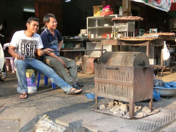 Kurzurlaub Kambodscha, Kambodscha, Außerhalb des Bezirks rund um die Uferpromenade kann man schnell in e