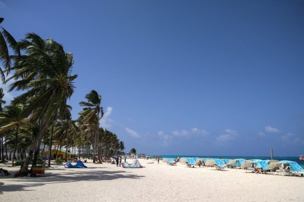 Langzeiturlaub Kolumbien, Kolumbien, Am Strand bin ich ja eigentlich nur zum Fotos machen, denn in der Sonn
