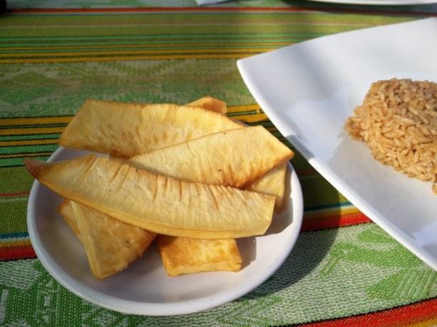 Langzeiturlaub Kolumbien, Kolumbien, Pan de Arbol - eine Frucht die nur auf San Andres wächst und einfach