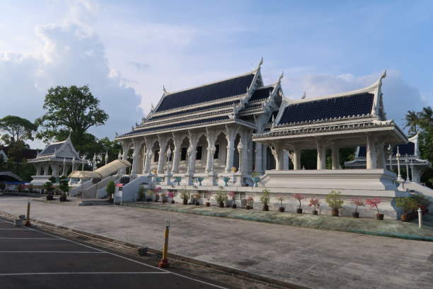 Kurzurlaub Ao Nang Beach (Stadt), Krabi, Thailand, Tempel in Krabi (Wat Kaew Korawaram)
