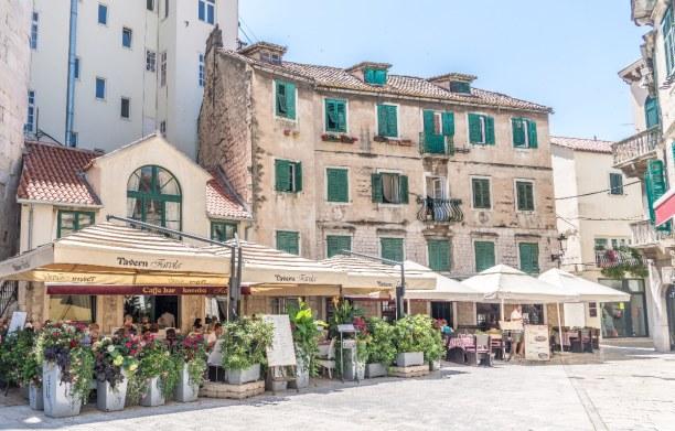 1 Woche Adriatische Küste, Kroatien, Split ist die zweitgrößte Stadt Kroatiens. Sie ist eine Hafenstadt u