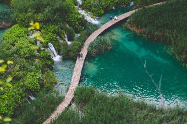 1 Woche Adriatische Küste, Kroatien, Die Plitwitzer Seen sind ein echtes Naturwunder. Sie liegen in einem r