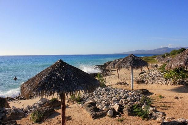 Drei Wochen Atlantische Küste / Norden, Kuba, Playa Ancon ist der Strandort von Trinidad. Der Strand ist wahrlich ei