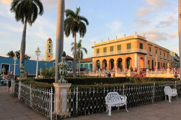 3 Wochen Atlantische Küste / Norden, Kuba, Hier sind wir stets gesessen und haben dem Treiben auf den Straßen zu