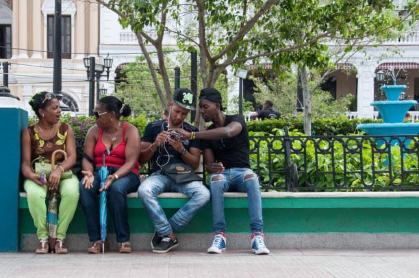 Kurztrip Karibische Küste / Süden, Kuba, Hier halten sich die Menschen gerne länger auf. Wahrscheinlich auch w