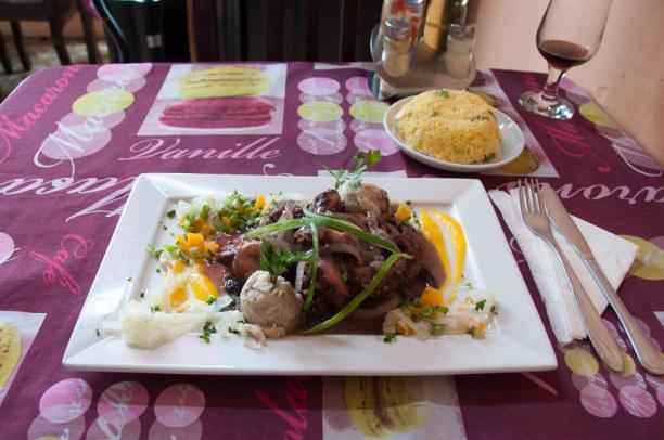 Kurzurlaub Karibische Küste / Süden, Kuba, Das Essen in Kuba ist eher einfach gehalten. Im Restaurant Mar Init am