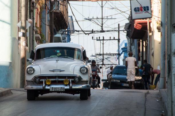 Kurzurlaub Karibische Küste / Süden, Kuba, Ein besonderer Blickfang sind die alten Autos in den Straßen Kubas.