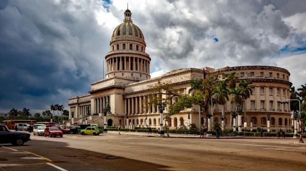 1 Woche Kuba, Kuba, Das Kapitol erinnert äußerlich an das Kapitol in Washington D.C.. He
