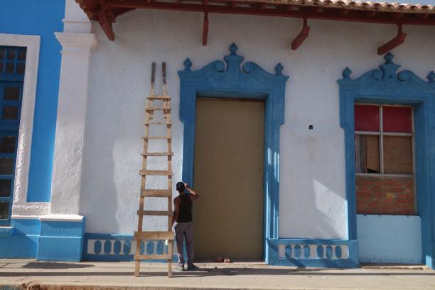 Zwei Wochen Kuba, Kuba, In Trinidad geht es bunt zu. Die Häuser leuchten in bunten Farben. Be