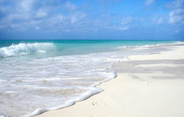 Eine Woche Kuba, Kuba, Der Playa Ancón liegt bei Trinidad und bietet das typische Bild für
