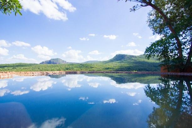 Kurzurlaub Soutpansberg (Stadt), Landesinnere, Südafrika, Die heiße Mittagszeit haben wir am Pool mit Blick auf die faszinieren