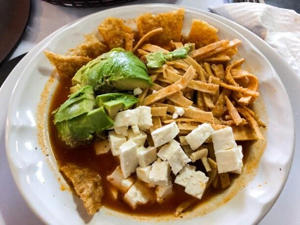 Kurztrip Baja California & Golf von Kalifornien, Mexiko, Sopa de Tortilla - einfach die beste Suppe, die es gibt. Zutaten: Toma