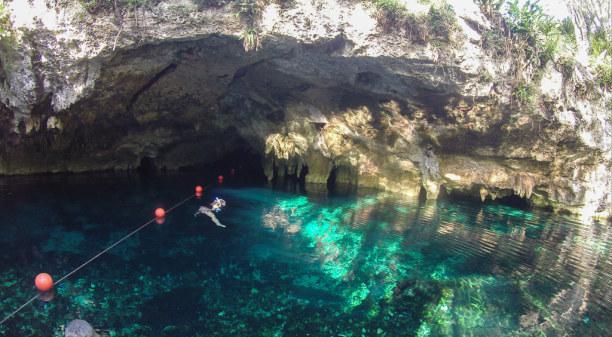 2 Wochen Riviera Maya & Insel Cozumel, Mexiko, Hier führt der Weg hinein in die Unter(wasser)welt.
