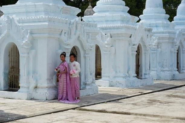 Langzeiturlaub Myanmar, Myanmar, Die Kuthodaw Pagode, das größte Buch der Welt war unsere erste Pagod