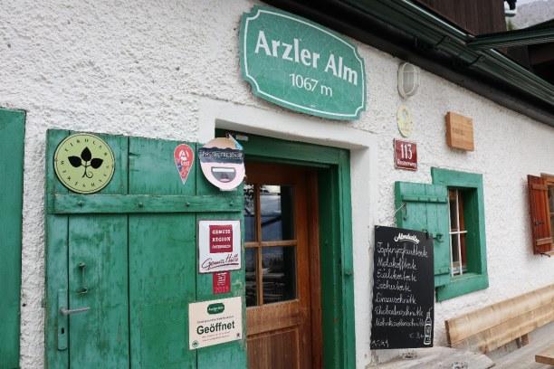 Kurztrip Innsbruck (Stadt), Nordtirol, Österreich, Ein schönes Ausflugsziel ist auch die Arzler Alm auf 1067m Seehöhe.