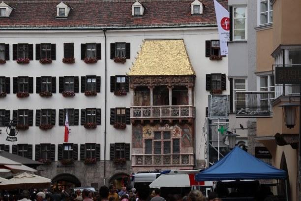 Kurzurlaub Innsbruck (Stadt), Nordtirol, Österreich, Vom Hotel aus geht es zu Fuß in ca. 10 Minuten zum Wahrzeichen der St
