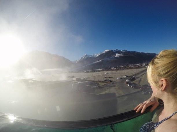 Kurzurlaub Kitzbühel (Stadt), Nordtirol, Österreich, Entspannung pur! Im Infinity Pool im Tauern Spa in Kaprun gibt es auß