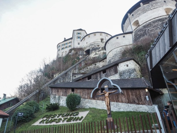 Kurztrip Kitzbühel (Stadt), Nordtirol, Österreich, Leider war uns die Schlange zu lange und so haben wir die Festung Kufs