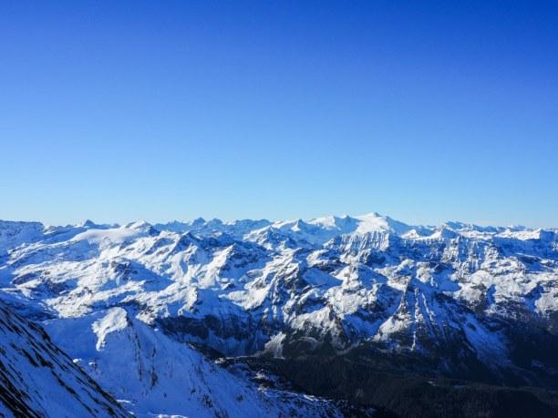 Kurzurlaub Kitzbühel (Stadt), Nordtirol, Österreich, Was für ein Weitblick von fast ganz oben vom Kitzsteinhorn! (Und kalt