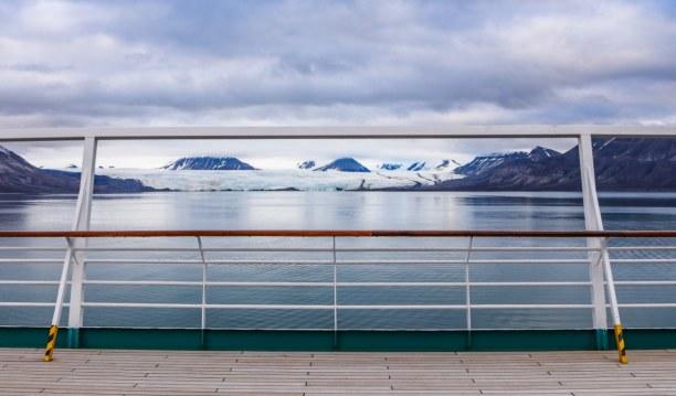 Langzeiturlaub Spitzbergen, Norwegen, Aussicht während der Überfahrt von Longyearbyen nach Barentsburg