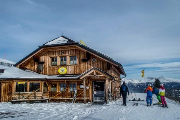 Kurztrip Kärnten, Österreich, Kurze Rast an der Peterbaueralm, wo man sich erst einmal eine warme Ma