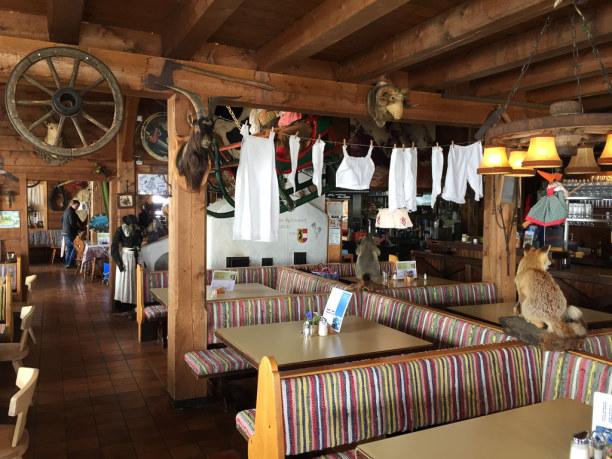 Kurztrip Salzburger Land, Österreich, Im Restaurant Fuschertörl machen wir Rast in der Hoffnung, dass das W