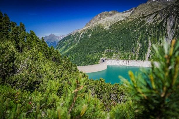 10 Tage Tirol, Österreich, Der Schlegeis Stausee liegt im Zillertal. Zahlreiche Wanderwege führe