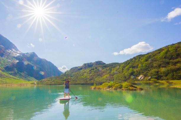 Kurztrip Tirol, Österreich, Am Morgen stand Stand Up Paddling auf dem Programm, als die Sonne übe