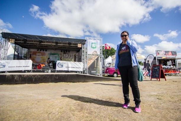 Kurzurlaub Fehmarn (Stadt), Ostseeinseln, Deutschland, Vor der Bühne! Wir haben auch einen Vortrag zu unserem VW Bus Ausbau