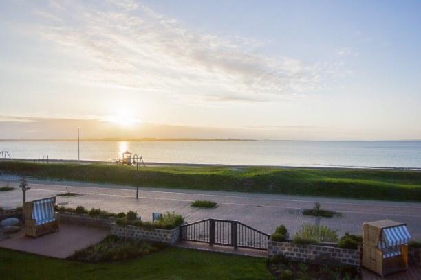 Kurztrip Laboe (Stadt), Ostseeküste, Deutschland, Ein traumhafter Sonnenaufgang an der Ostsee mit Blick von unserem Balk