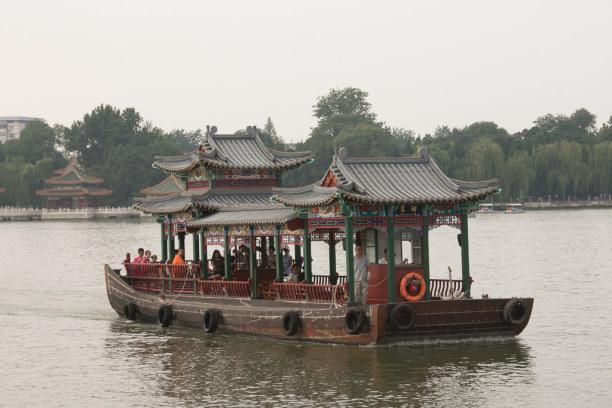 Eine Woche Peking (Stadt), Peking und Umgebung, China, Hier genießen die Pekinger die Freizeit auch am Wasser.
