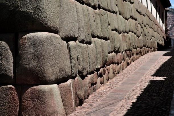 10 Tage Cusco (Stadt), Peru, Peru, Die Inka-Architektur ist weithin bekannt für ihre Baukunst, die aus p