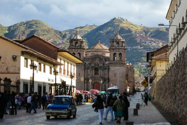 10 Tage Cusco (Stadt), Peru, Peru, Blick auf die Kathedrale von Cusco im Stadtkern