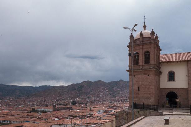 Langzeiturlaub Peru, Peru, Die Stadt liegt auf 3.410m. Atemnot und Müdigkeit sind hier die erste