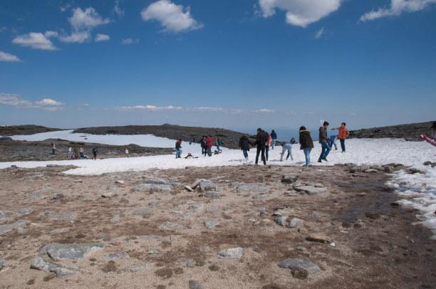 10 Tage Mittelportugal, Portugal, Mitte April liegen noch die letzten Schneereste und die Skilifte am To