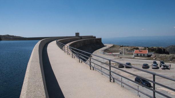 10 Tage Mittelportugal, Portugal, Die Serra da Estrela ist ein Kontrast zu Küste und Meer in Portugal.