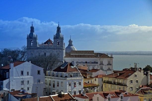 Kurztrip Region Lissabon und Setúbal, Portugal, Auf diesem Bild erkennst du im Hintergrund die Kuppel der Kirche der h