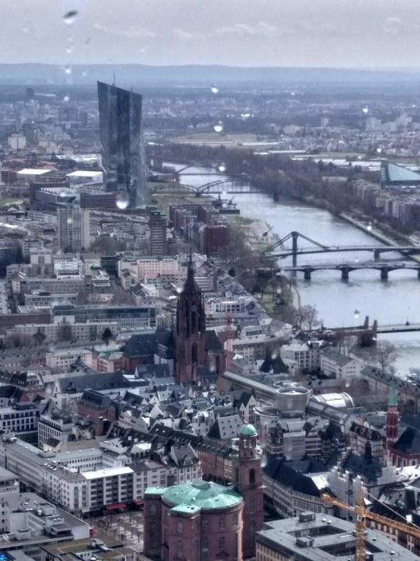 Kurztrip Frankfurt am Main (Stadt), Rhein-Main Region, Deutschland, Blick vom Maintower.