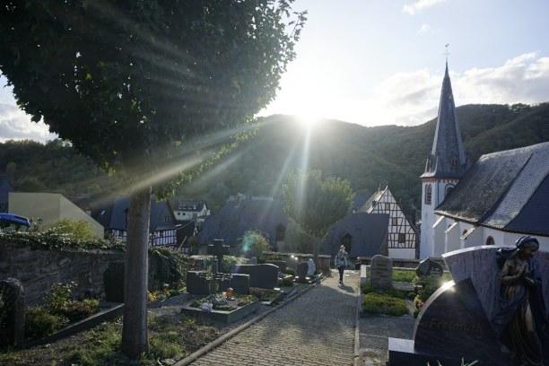 Kurzurlaub Mesenich (Stadt), Rheinland-Pfalz, Deutschland, Sonnenuntergang in Mesenich