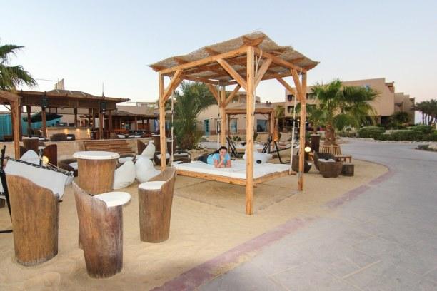 Eine Woche Soma Bay (Stadt), Rotes Meer, Ägypten, Der perfekte Ort für den Sundowner - die schwebenden Liegebetten mit