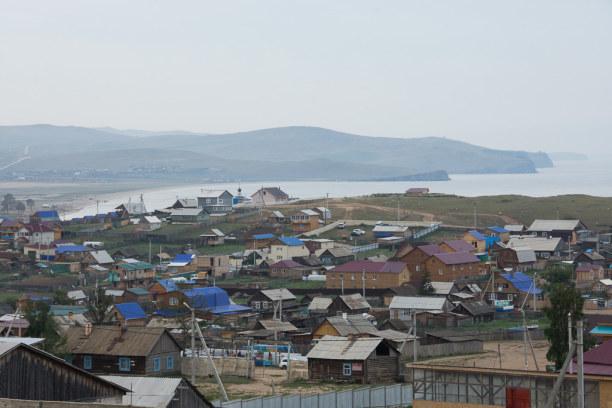 Langzeiturlaub Sibirien, Russische Föderation, Von einem Hügel hat man einen guten Überblick über den Ort.